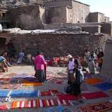 vente directe de tapis par les villageois